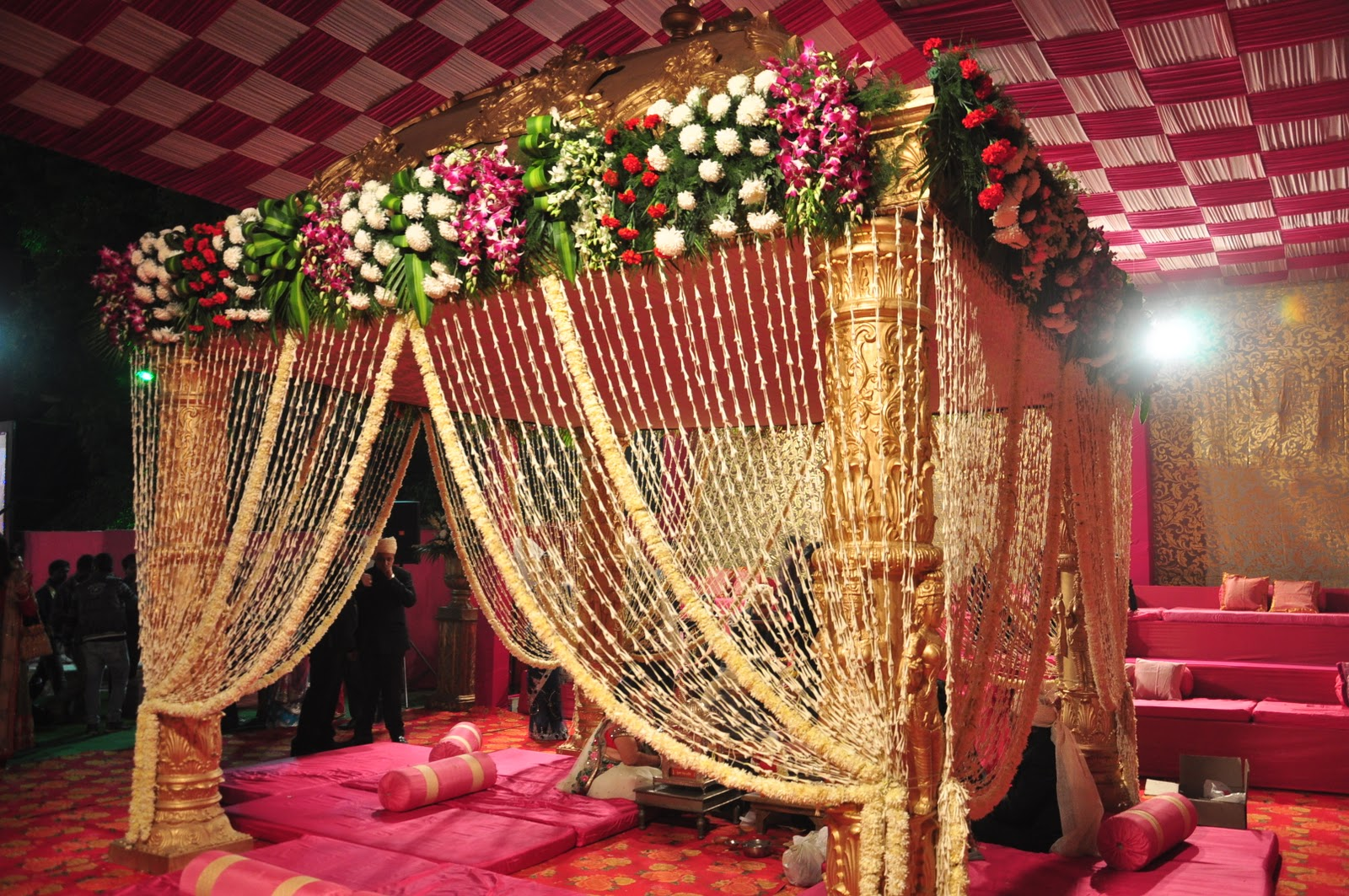 Indian wedding mandap decoration – The evolving art - Rachnoutsav Weddings